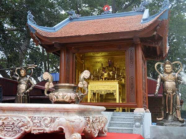 Đền là nơi thờ cúng các vị thần linh và anh hùng dân tộc