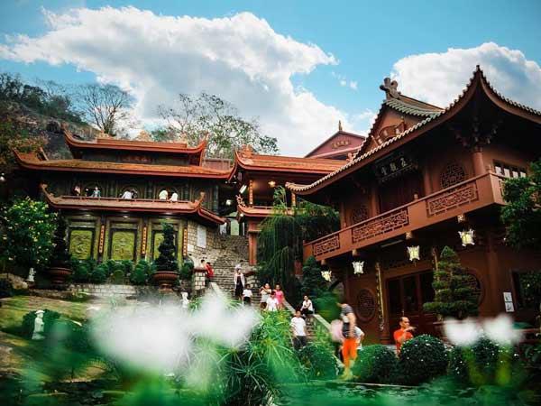 Tìm hiểu bài văn khấn cầu phúc thọ khi đi chùa
