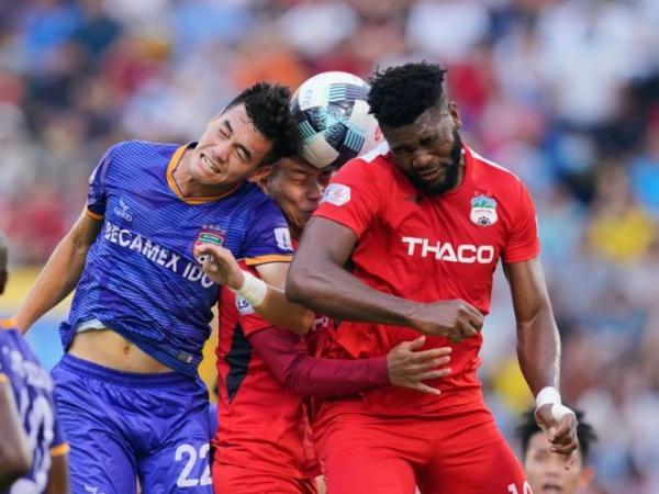 Bóng đá Việt Nam chiều 13/8: V.League sẽ trở lại vào tháng 9?