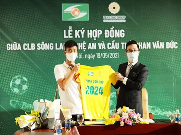 Bóng đá Việt sáng 20/5: SLNA trói chân Phan Văn Đức đến năm 2024