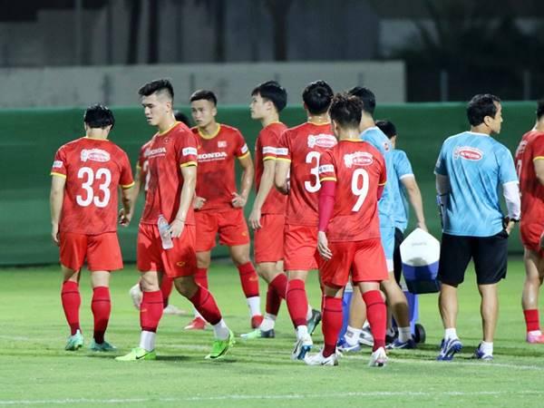 Bóng đá Việt Nam trưa 4/10: HLV Park tiếp tục cho cầu thủ đổi số áo